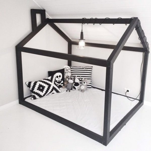 detská posteľ domček