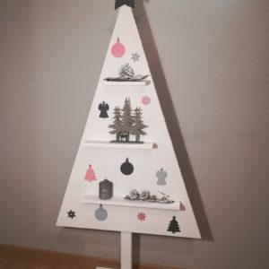 Drevený vianočný stromček