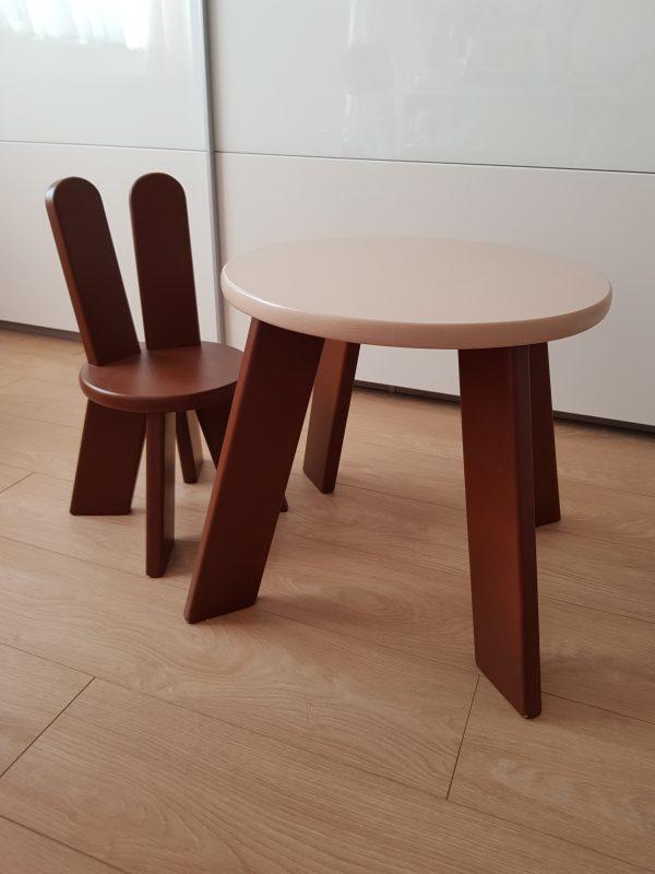 detský stolik a stolička