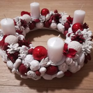 Adventný venček Classic White & Red