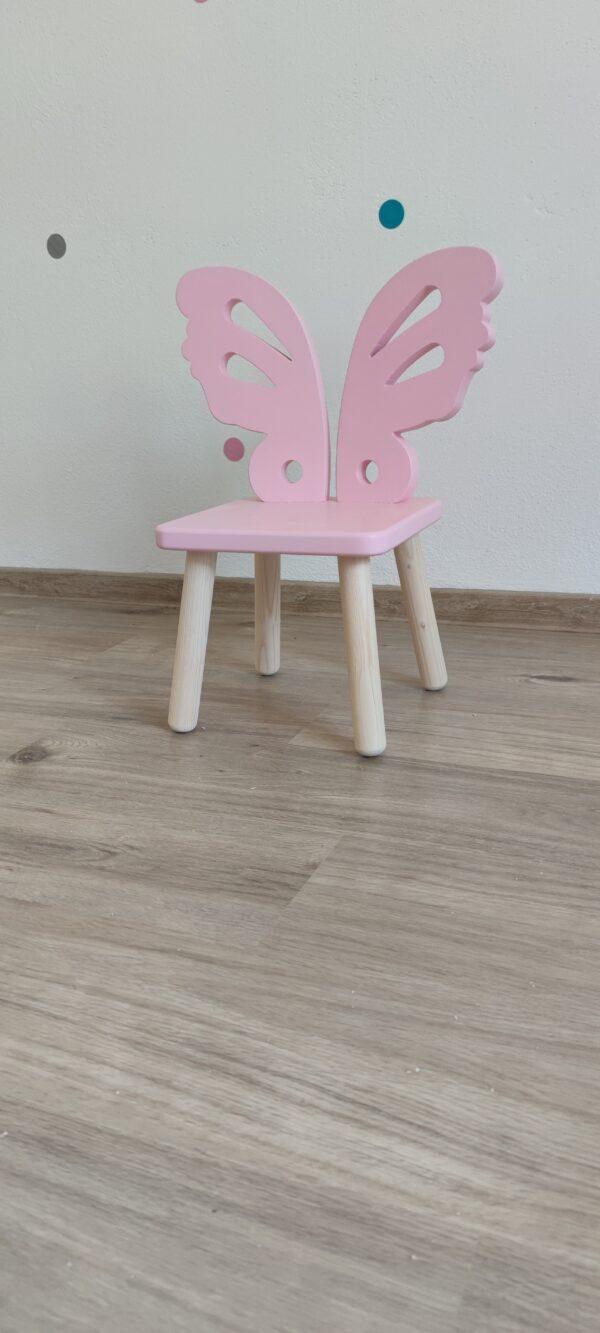 detská stolička motýľ