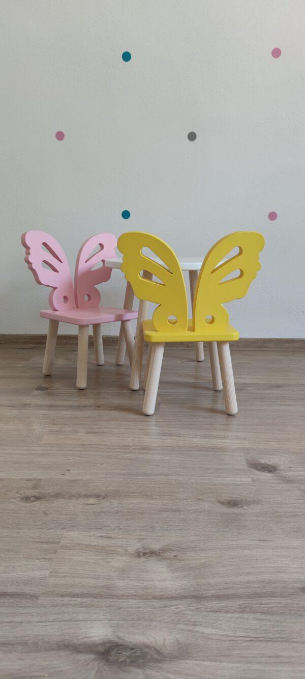 detská stolička a stolík